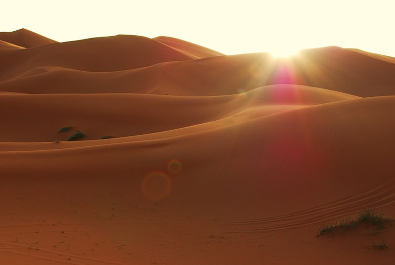 800px-dunes-leve_soleil-sunrise-merzouga