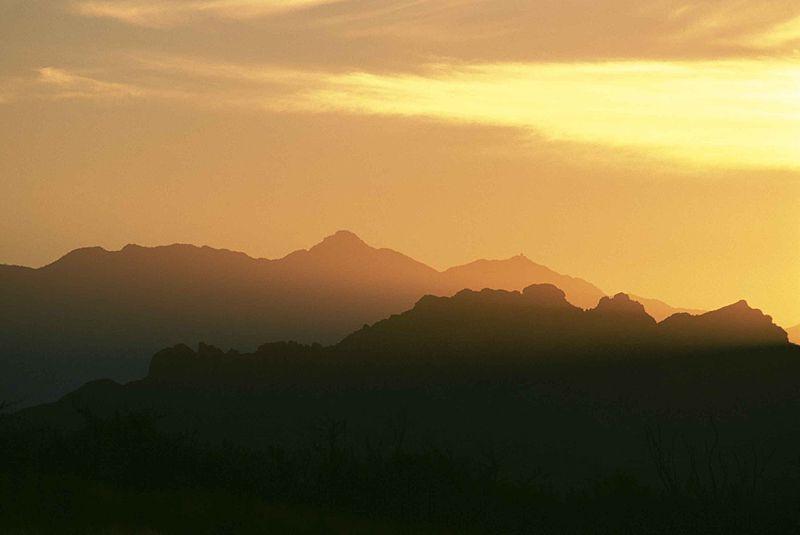 desert_sky_scene_at_dusk